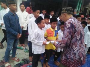 Santunan anak yatim berkarya Jombang