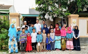 Foto dokumentasi santunan anak yatim wilayah Paiton