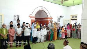Foto dokumentasi santunan anak yatim yayasan berkarya cabang Pasuruan