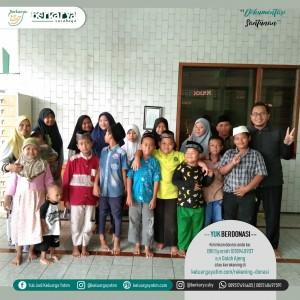 Foto dokumentasi kegiatan santunan yayasan berkarya cabang Surabaya, wilayah Gebang dan Keputih