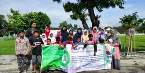 Foto dokumentasi santunan yayasan berkarya cabang Surakarta